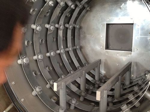 Single chamber high pressure gas quenching furnace