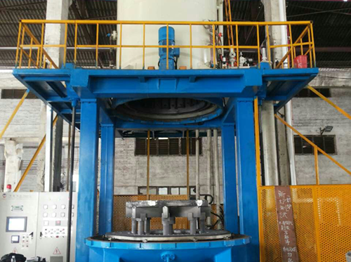 Vertical bottom charging vacuum gas quenching furnace